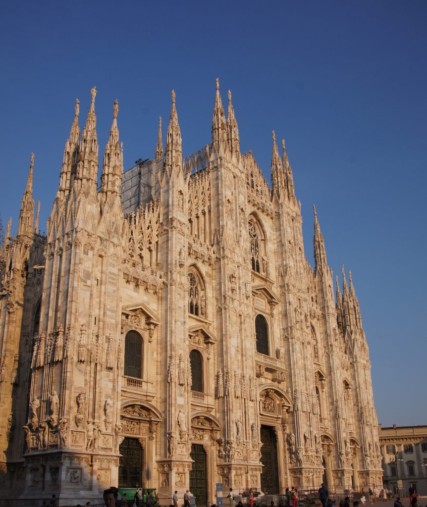 see the sunning Il Duomo in Milan on our Po River cruises