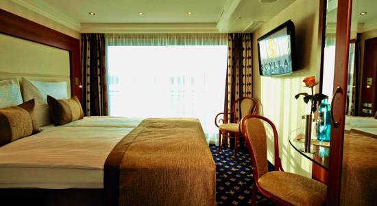 Review of the ms lord byron on the rhine river cruise news for The balcony byron