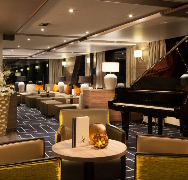 Amadeus Silver III Panorama Lounge