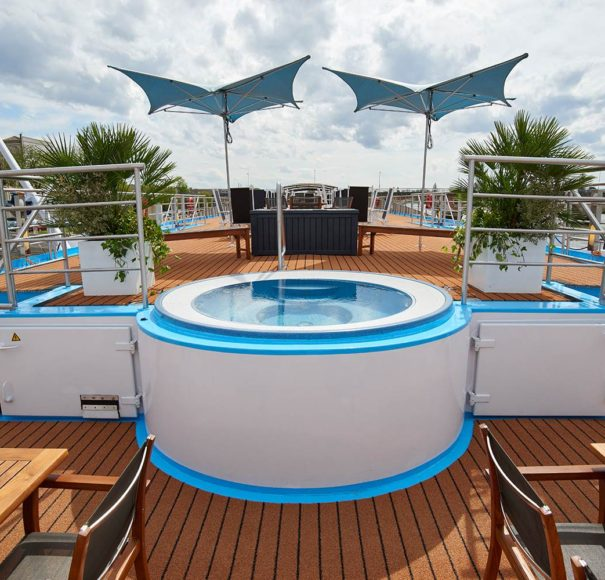 AmaWaterways AmaDolce Whirlpool Sun Deck