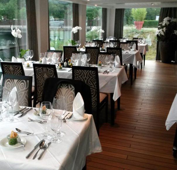 AmaWaterways AmaLyra Chef's Table Restaurant