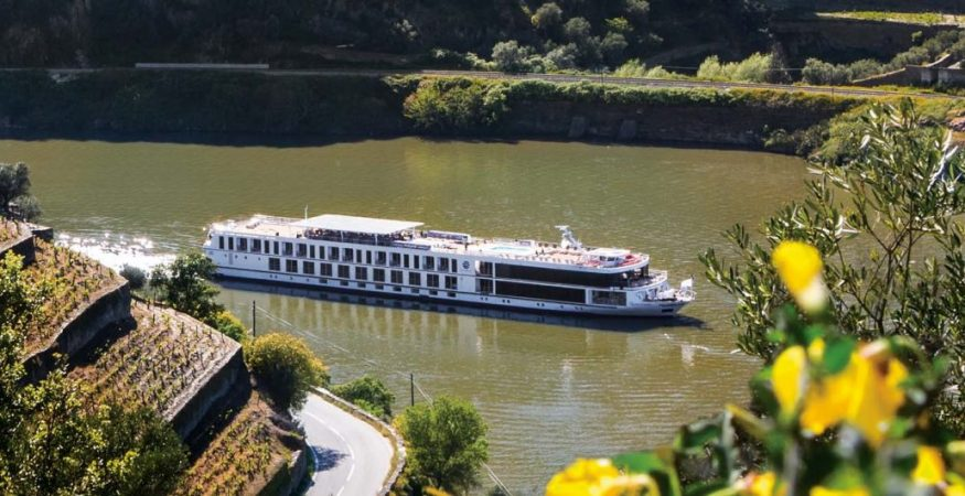 Uniworld Queen Isable on the Douro
