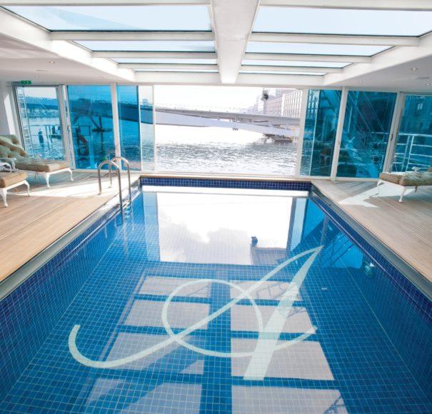 Uniworld S.S. Antoinette pool