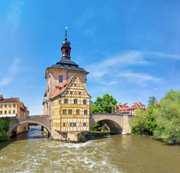 Main---Bamberg.-Panoramic-view-of-Old-Town-Hall-