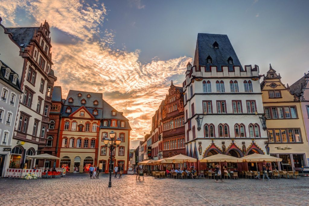 Titan Travel Moselle - Historic House facades Main Market Trier