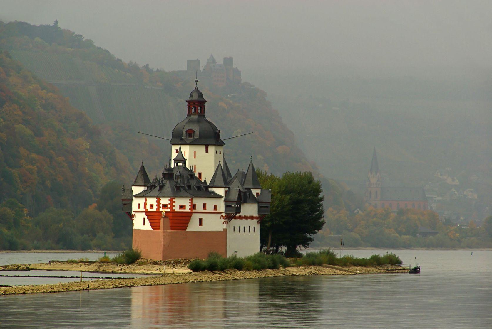 Pfalzgrafenstein Castle - Rhine Gorge - Winter