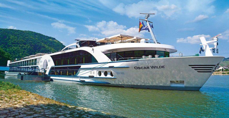 Riviera Travel Oscar Wilde Exterior