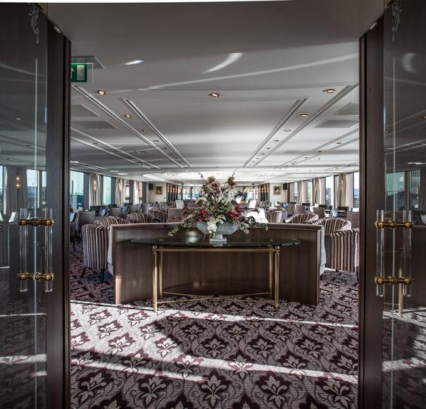 Riviera Thomas Hardy Lounge