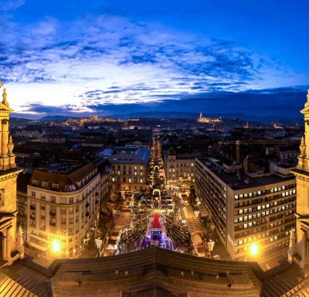 Danube - Budapest-Saint-Stephan-Basilica-Christmas-market-panoramaLowRes