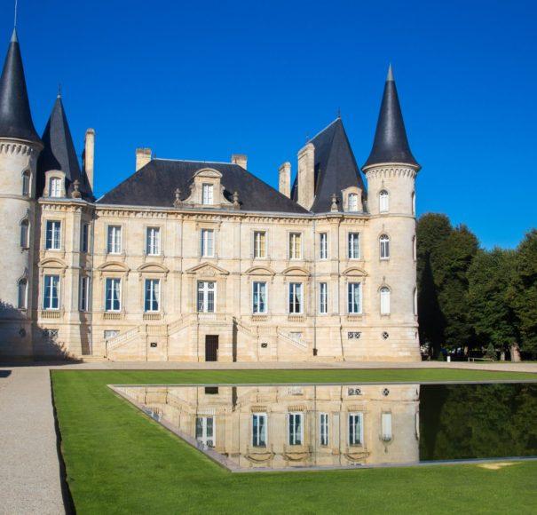 APT River Cruises Bordeaux Chateau di Pauillac