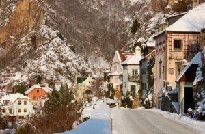 Danube-Durnstein-in-the-snow-LowRes