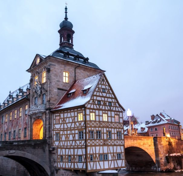 Main-Bamberg-Old-city-Hall-in-Winter-with-Bridge-Low-Res