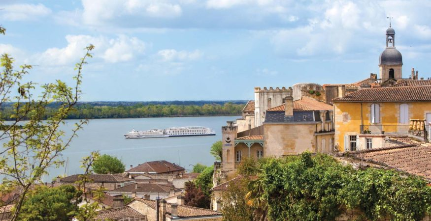 Uniworld River Royale in Blaye