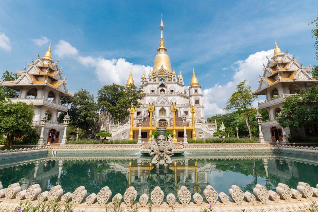 Mekong - Buu-Long-pagoda-at-District-9,-Ho-Chi-Minh-City-LowRes