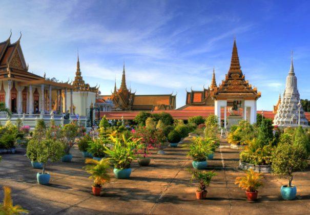 Day 9 -  Phnom Penh & Tan Chau