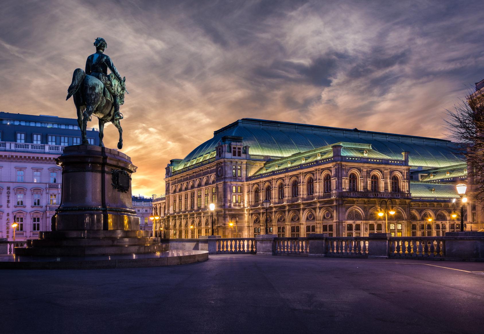 Vienna state opera at dawn Danube