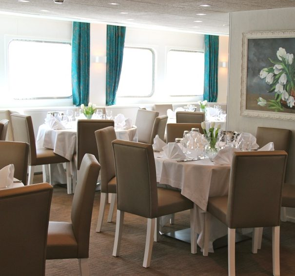 CroisiEurope MS Gil Eanes - Restaurant Seating