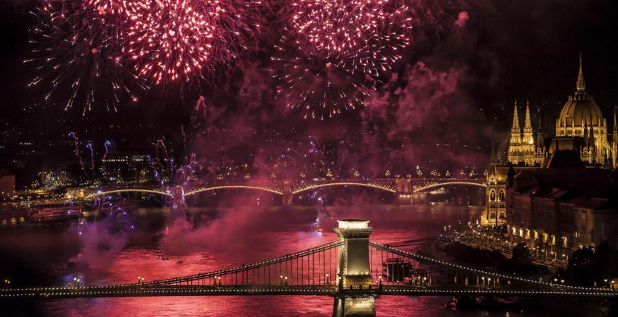 St-Stephens-Fireworks-Budapest