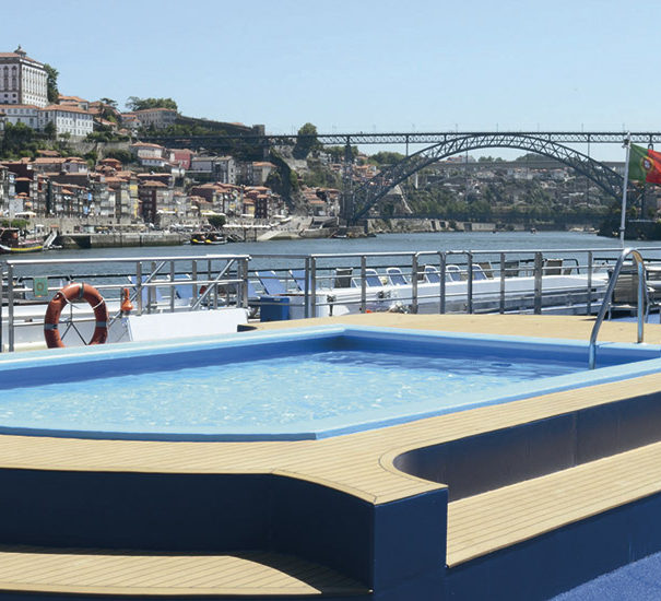 Douro Queen Pool