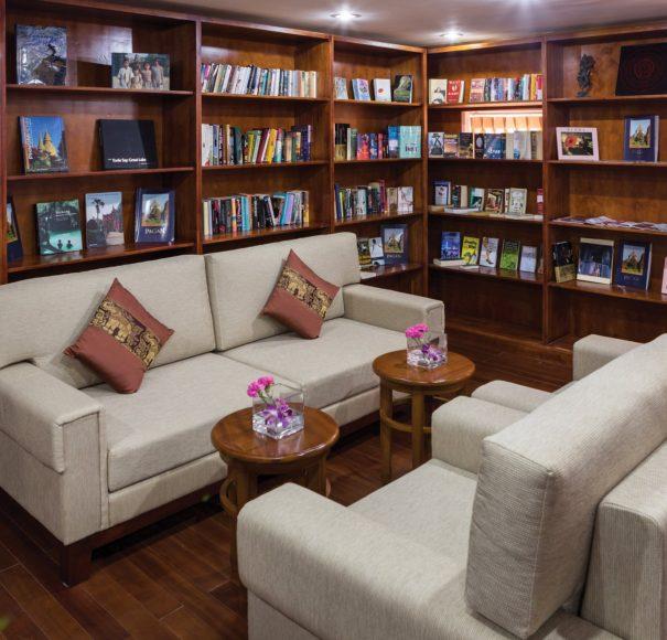 RV Mekong Pandaw - Library