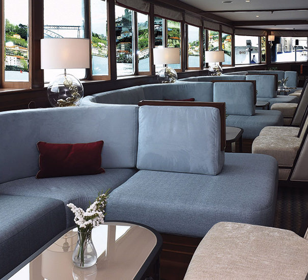 Douro Queen Lounge Seating