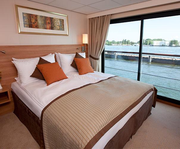 Viking Prestigue suite bedroom